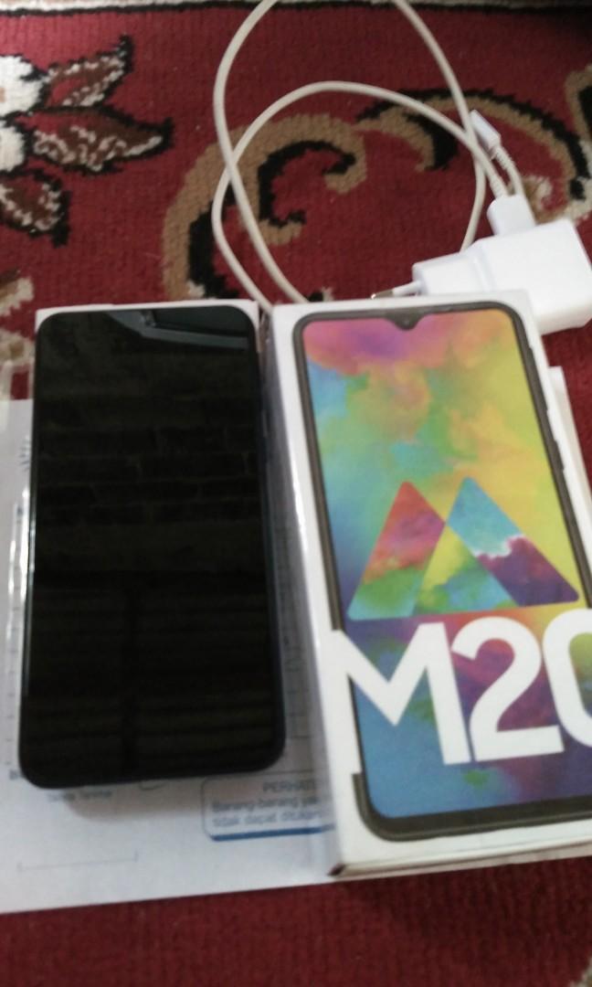 Samsung M20 3/32 second