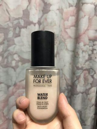 Make up for ever water blend 水粉霜 R250
