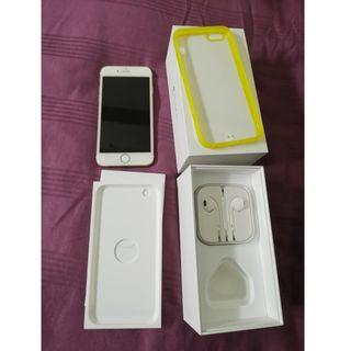 iPhone 6 gold colour 64GB in good condition
