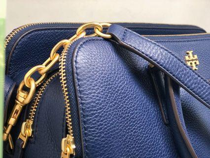 - Last one - Tory Burch carry bag