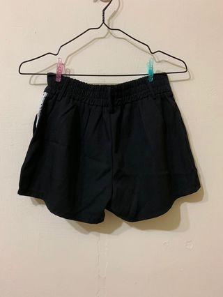 🚚 黑色短褲西裝 蕾絲短褲