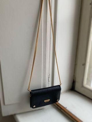 Moschino Wallet on Chain