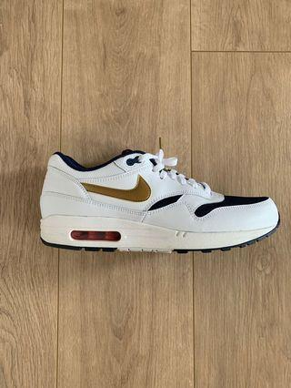 Nike airmax USA Olympic team edition. Size 10.5 USA. 99% new with box. Worn twice.