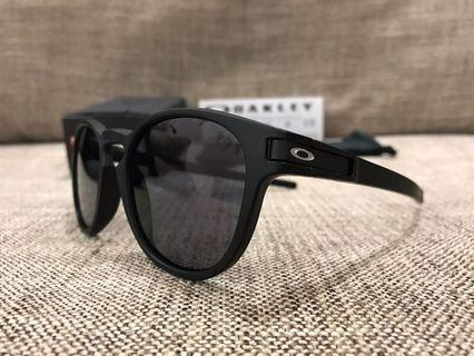 Oakley™️ LATCH Asian Fit (Matte Black/Grey)