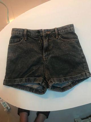正韓 高腰復古刷色 黑色短褲(售出