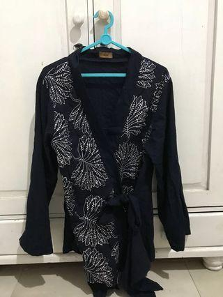 Black tied shirt