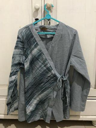 Marble blue tied shirt