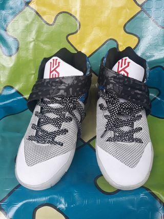 2e358f6d70c Nike Kyrie 2