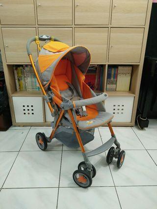 Combi Urban walker嬰兒推車