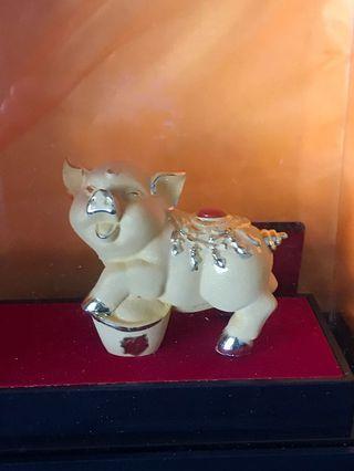 Golden Pig Display (Brand New)