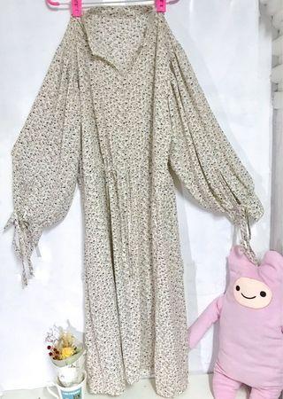 🚚 米白碎花韓版洋裝