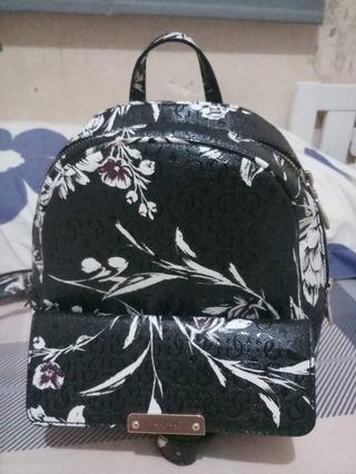 tas black floral TAMRA