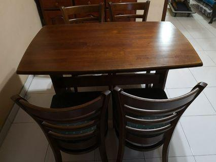 4-seater dining set