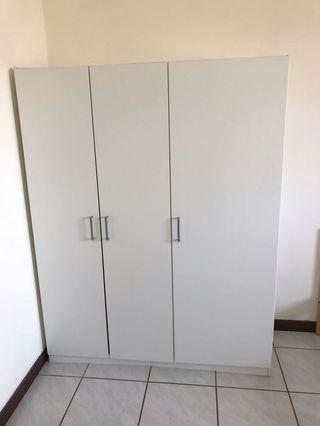 IKEA 衣櫥