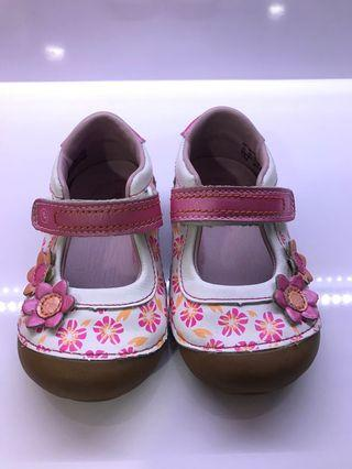 🚚 Stride Rite Mary Jane Shoes