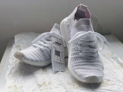 - Big Sale -  US 6 Adidas NMD  _ R1