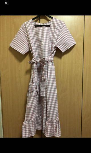🚚 brand new the paperdoll live gingham dress in dusty pink