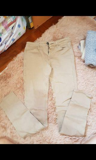 杏色牛仔褲