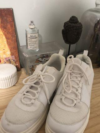 HM Chunky White Sneakers size 10