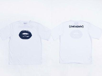 Unknown tee Oversized