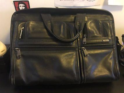 🚚 Genuine Tumi- Alpha T-Pass leather laptop briefcase