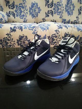 Basket ball shoe