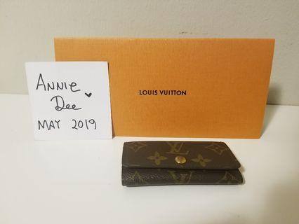 (FIRM) Authentic Louis Vuitton 4 ring key case