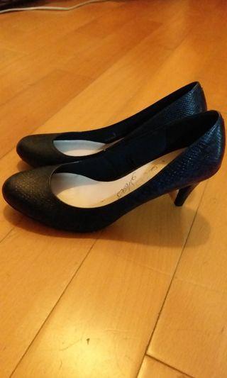 馬莎格紋深藍高跟鞋