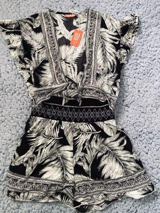 R|resort1 jumpsuit newww with tag!