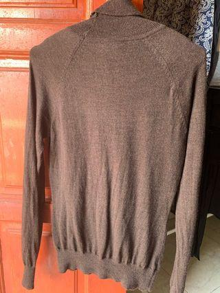 Brown knitwear turtleneck