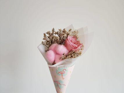 🚚 [Gorgeous af.] $13 only. <out of stock> Preserved rose with pink cotton and dried flowers, flamingo cone bouquet