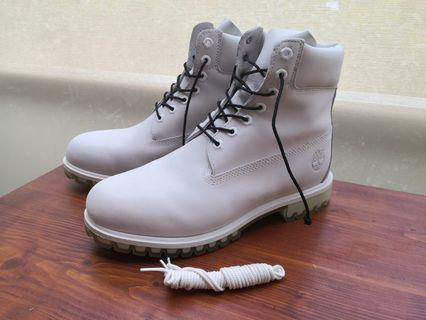 Timberland Boots (white)