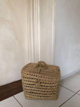🚚 Wicker straw lunchbox bag