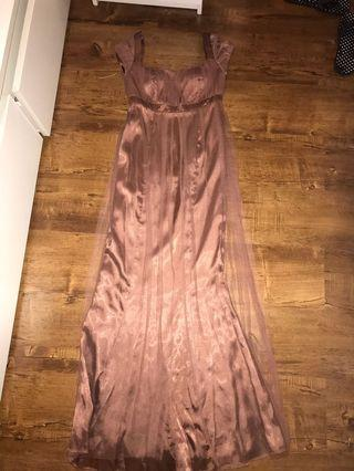 Brown long dress with tile