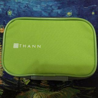 長榮航空 豪華經濟艙盥洗包 過夜包 THANN EVA air 泰國香氛品牌