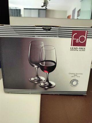 🚚 Crystal wine tasting glasses.