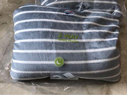 BNIB American Tourister 2-way travel pillow