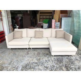香榭二手家具*白色棉麻布9.4尺 L型沙發組(含抱枕)-中古沙發椅-沙發床-客廳沙發-辦公沙發-布沙發-四人座-三人座