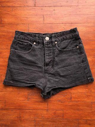 FACTORIE Black Highwaisted Shorts