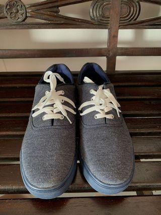 🚚 Jaxon blue sneakers