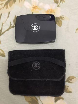 Chanel vitalumiere compact doucer