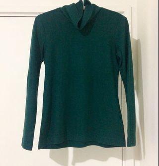 Green fleece long sleeve jumper