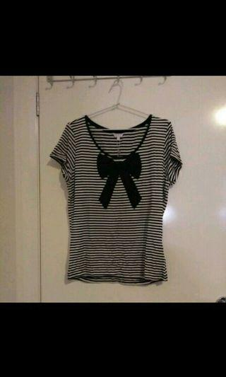 Bow top size 14 new.
