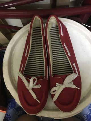 Red canvas flat shoes