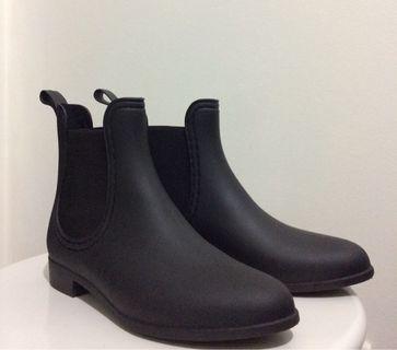 Winter black boots #swapau