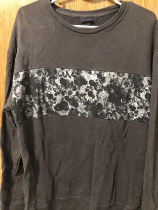 🚚 H&M Black Printed Pullover