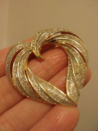 Vintage heart brooch pin