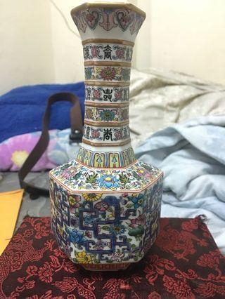 五彩壽字瓶
