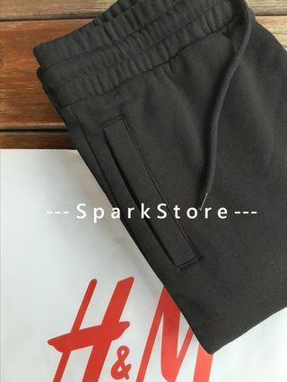 H&M Celana Sweatpants Joggers Divided Hitam