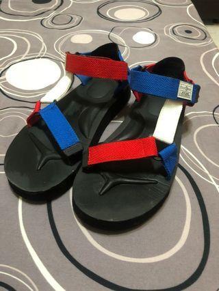 紅藍白綁帶涼鞋夏天必備🌞